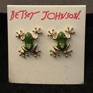 NWT Betsey Johnson Frog Pierced Earrings.